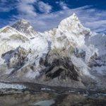 Geleiras derretem no Everest expõe corpos congelados há anos! Veja