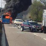 Motorista sequestra e coloca fogo em ônibus cheio de crianças dentro