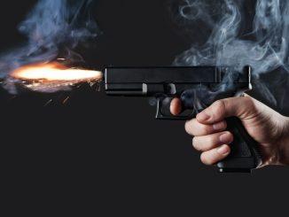 Aluno mata professor a tiros dentro de escola