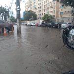 Chuva deixa Lauro de Freitas debaixo d'água,bombeiros resgatam cadeirante