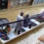 Lauro de Freitas pode decretar estado de emergência após temporal; moradores são resgatados com barcos