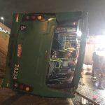 Ônibus tomba no Shopping Bela Vista com dezenas de vítimas em Salvador