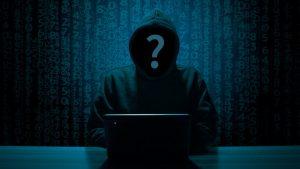 Hacker apaga todos os nomes