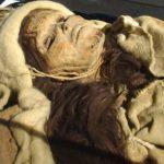 Homem mumifica mãe