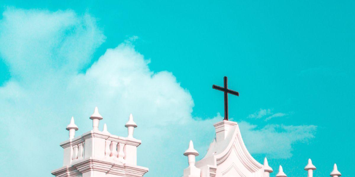 sexo em confessionário de igreja